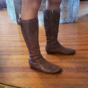 born Sz 8 calf length flat boots